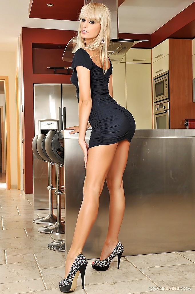 butt blonde